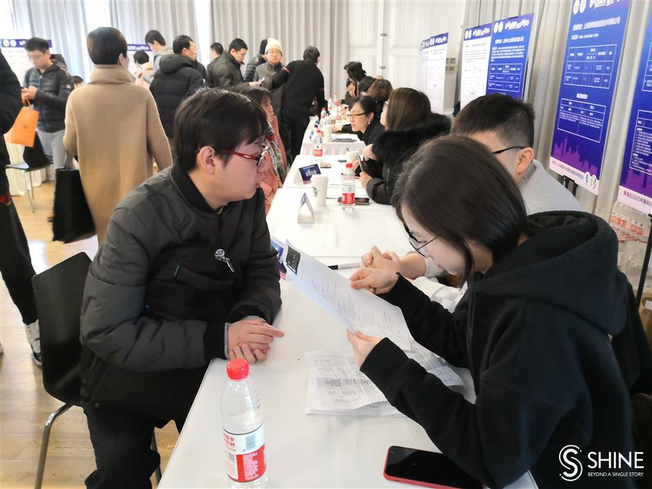 Over 3,000 vacancies at city's job fairs