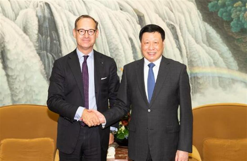 Shanghai Mayor Ying meets Allianz CEO Bate