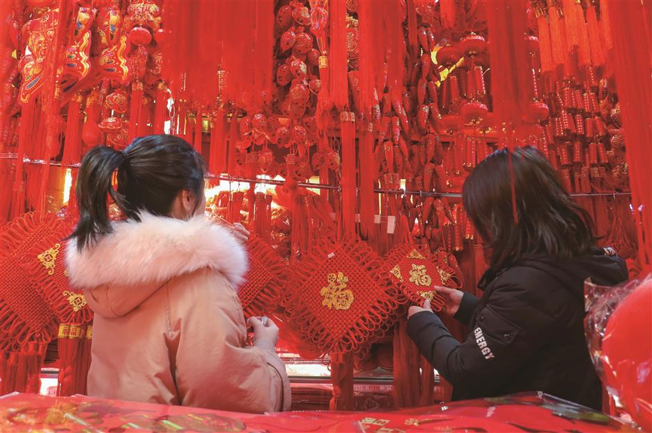 Hangzhou abounds with festival activities