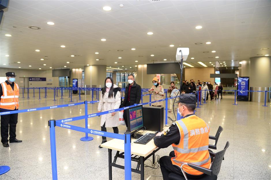 75,000 people enter Shanghai via Pudong, Hongqiao airports