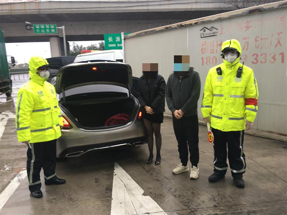 Woman hides in trunk to avoid quarantine