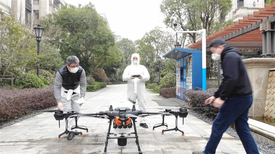 Drone flyers join the fight against the coronavirus