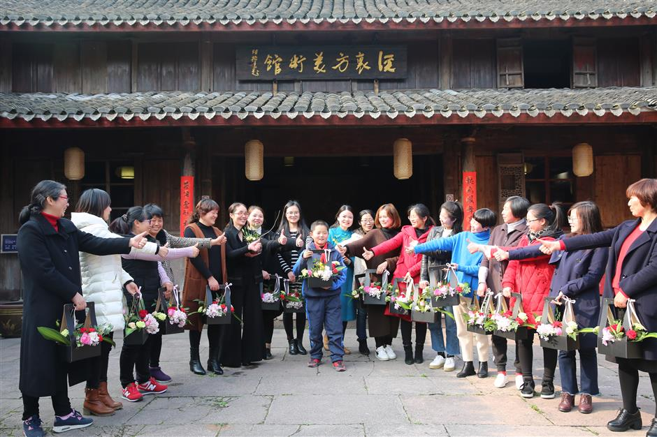 Xiangshan awakens with arrival of spring
