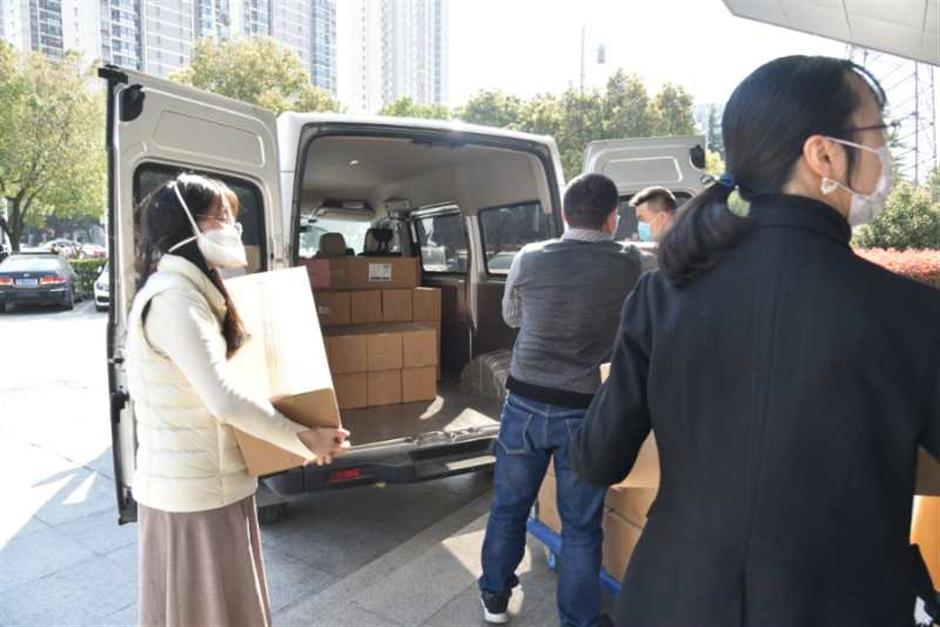 Suzhou sends masks to sister city Venice