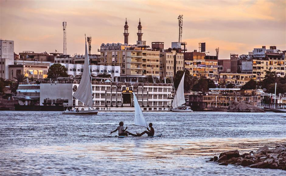 Nile threatened by waste, warming, dam