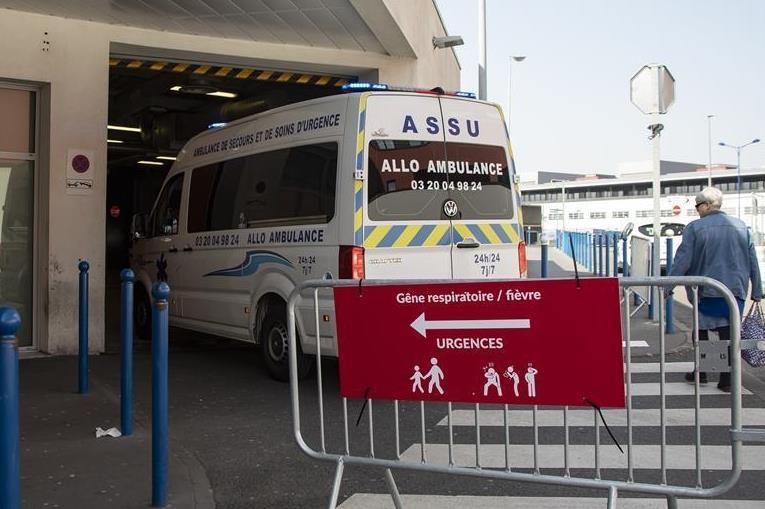 France reports over 32,000 coronavirus cases, lockdown extended