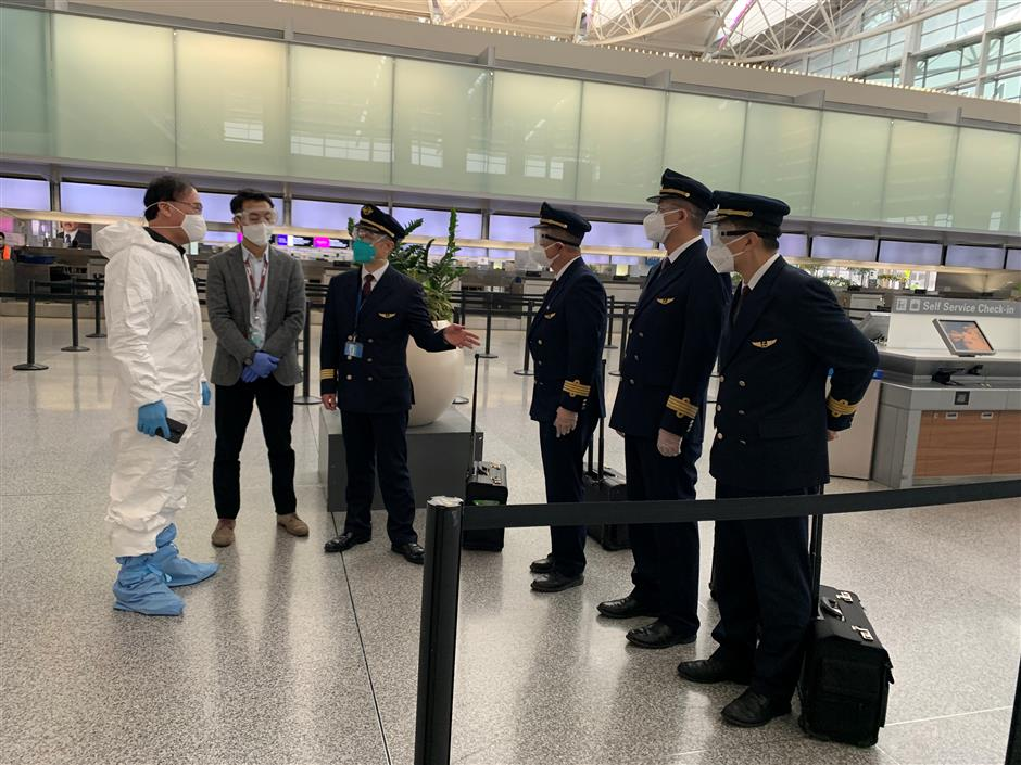 Charter flight brings 180 underage Chinese students from San Francisco to Shanghai
