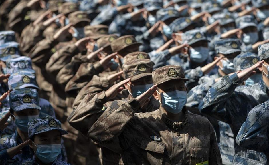Xi honors military personnel fighting COVID-19