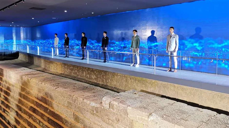 Ancient seawall becomes height of fashion
