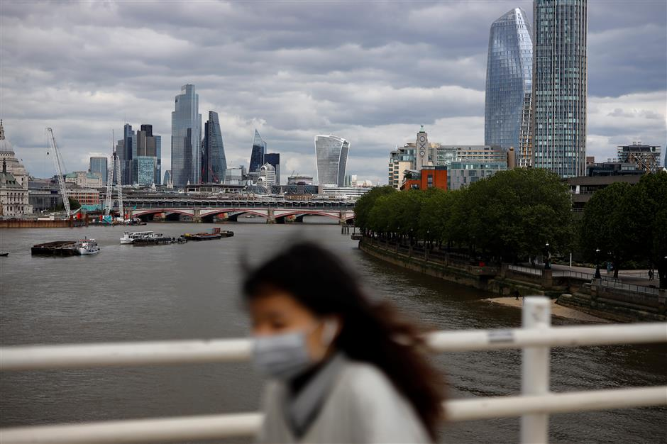 UK faces 'significant recession' as COVID-19 deaths pass 33,000