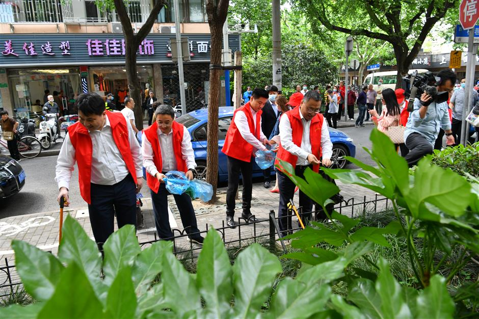 Vice mayor heads citywide cleaning campaign