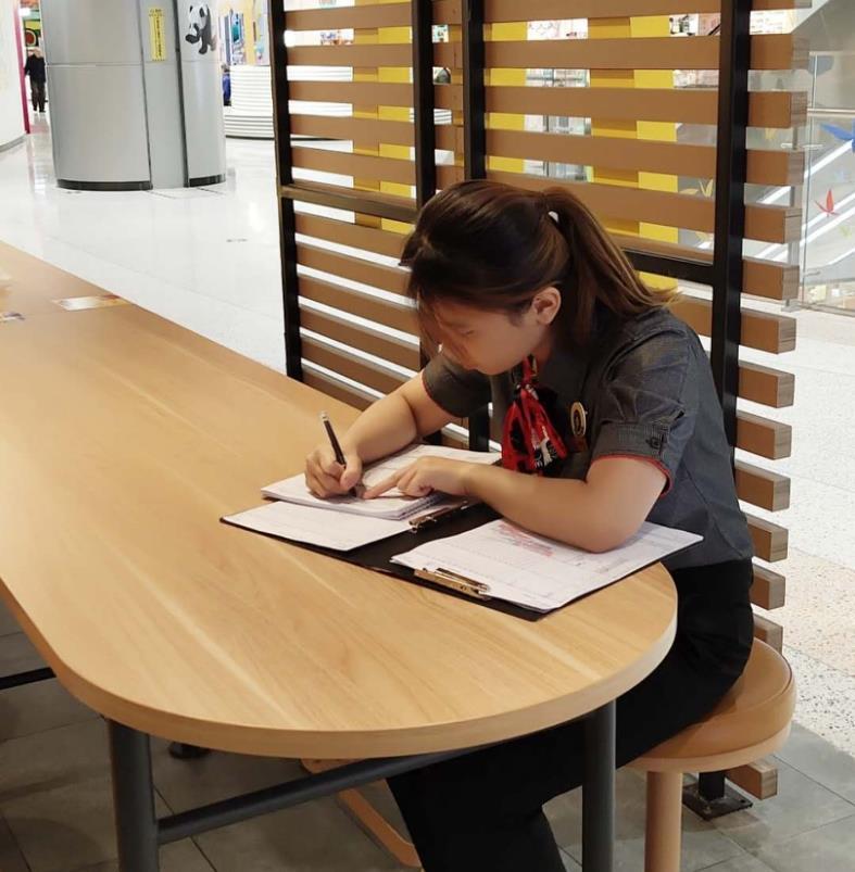McDonald's China holds first online recruitment fair