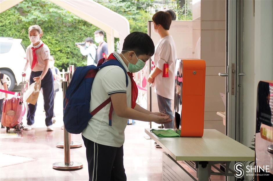 First batch of primary schoolers returns to campus