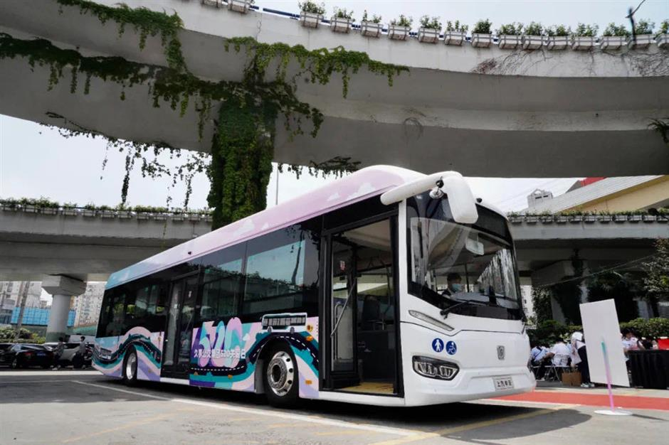 Special day honors Shanghai's bus drivers