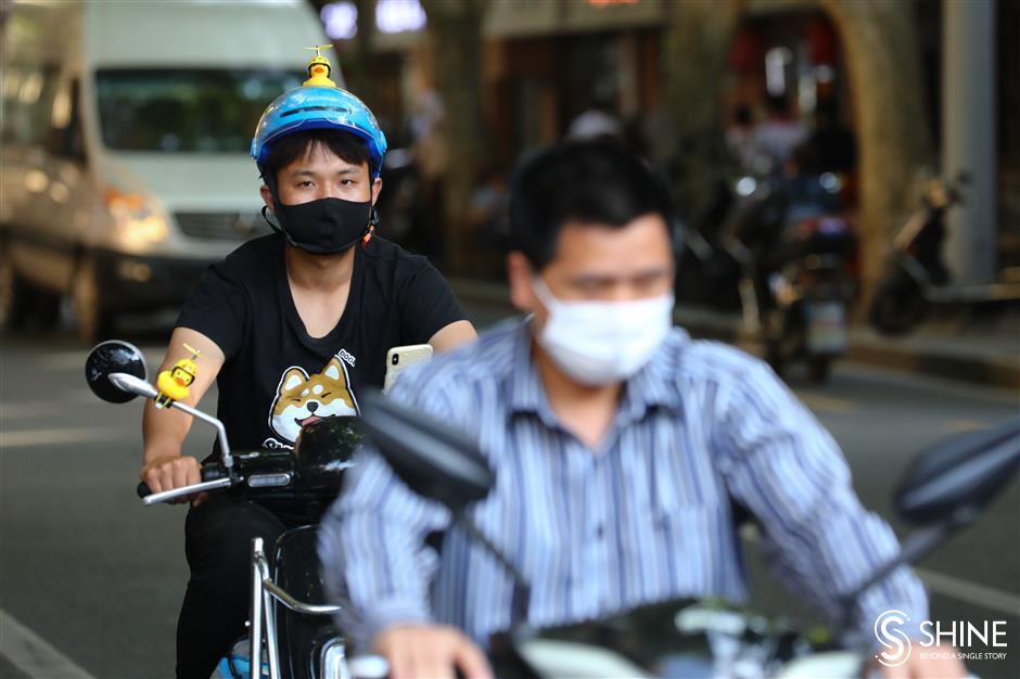 Hot summer ahead: e-bike helmets and garbage-sorting rule ramp-up