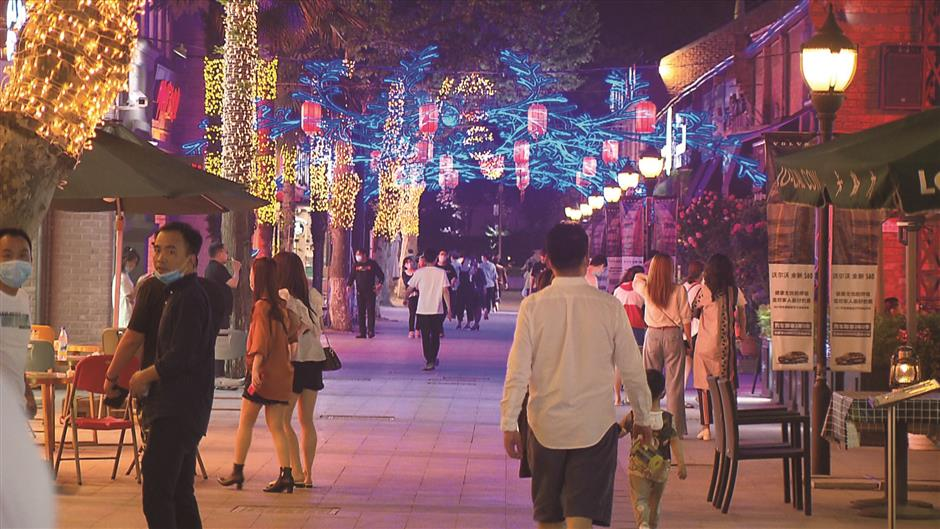 Something for everyone at Jiading's festival for shoppers