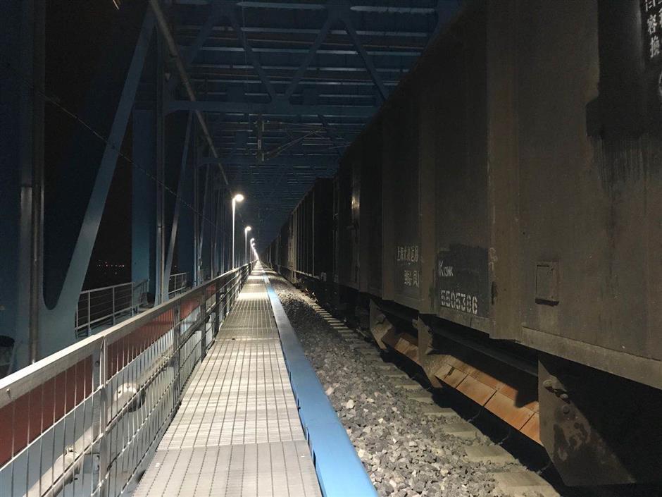 Trains with heavy loads testing new bridge