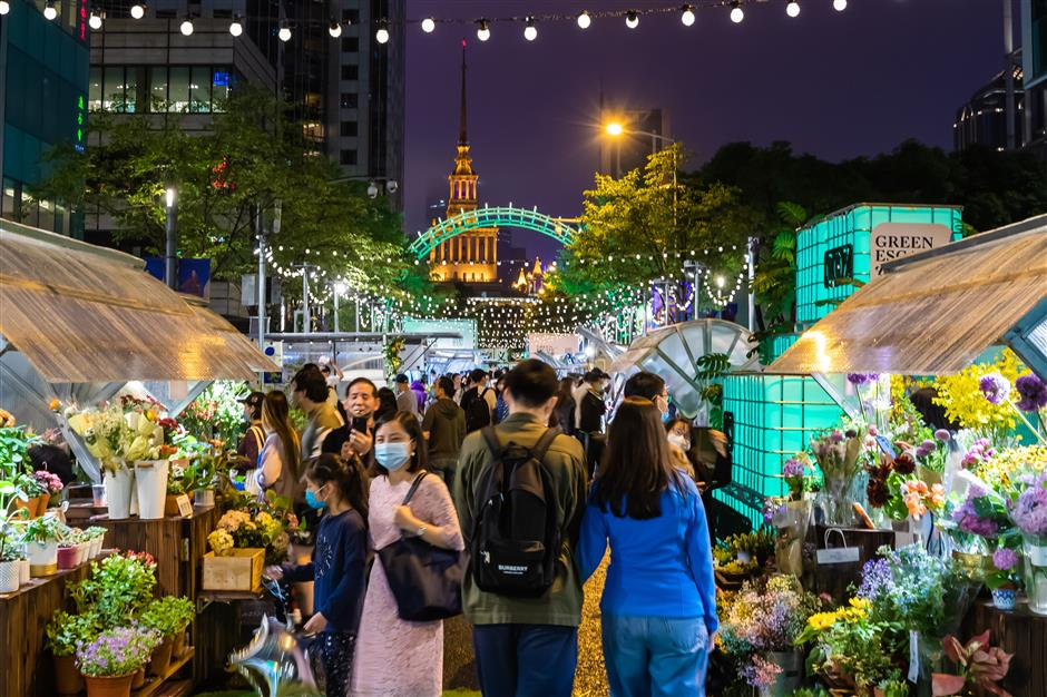 It's all right on the night at Anyi Road street fair
