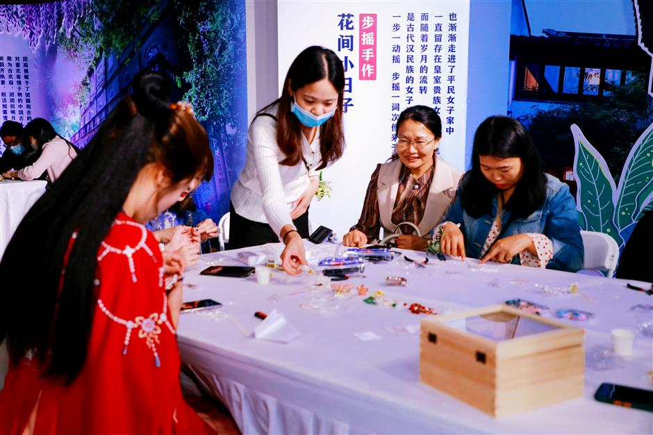 Traditional handicrafts a feature of tourism resort project