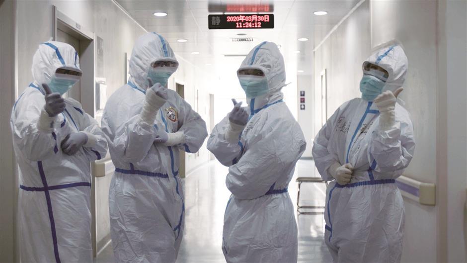 Documentary hails bravery of Wuhan medics