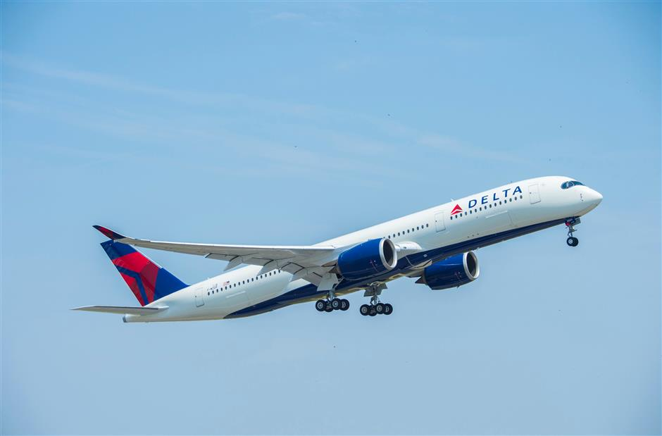 First US carrier to resume flights to China