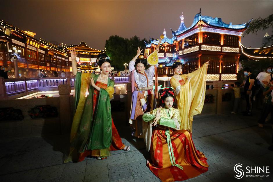 Trip back in time at Yuyuan Garden Malls