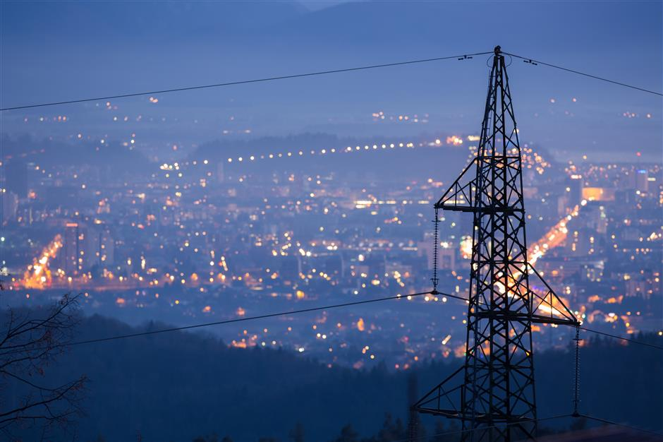 Schneider Electric sees boost from online economy