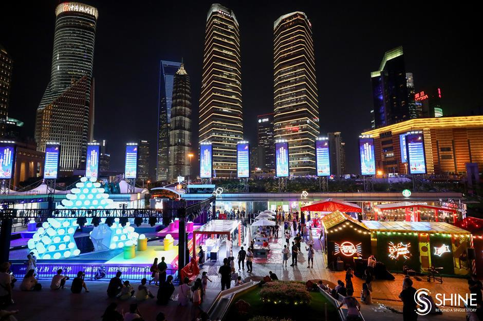 Lujiazui lights up at night with outdoor dining and entertainment