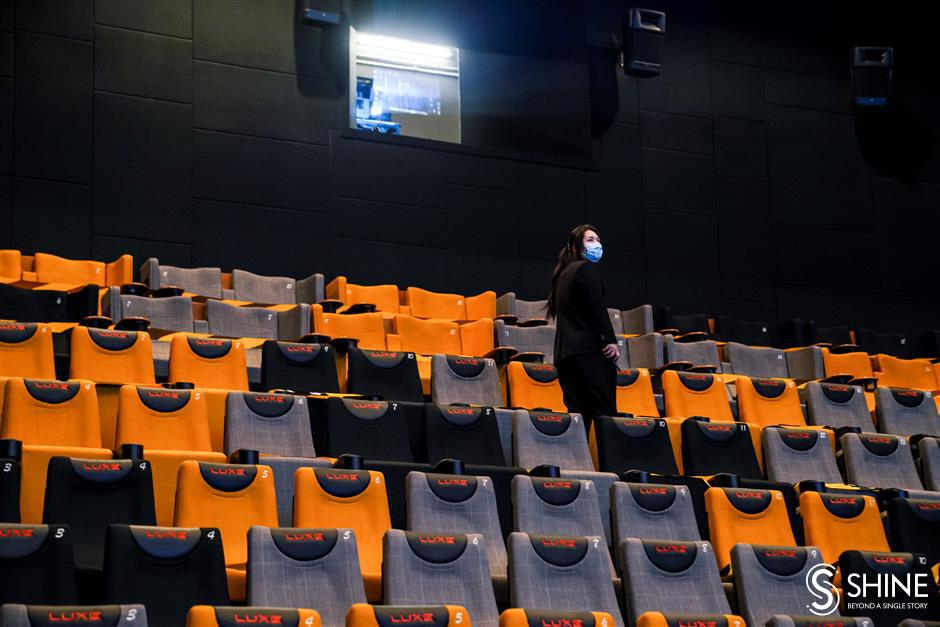 No popcorn, but film buffs are back in seats