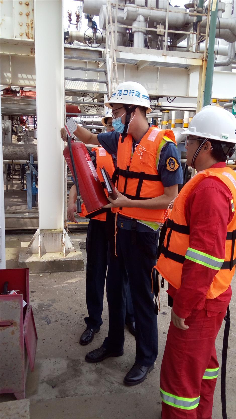 City begins inspection of dangerous goods at port
