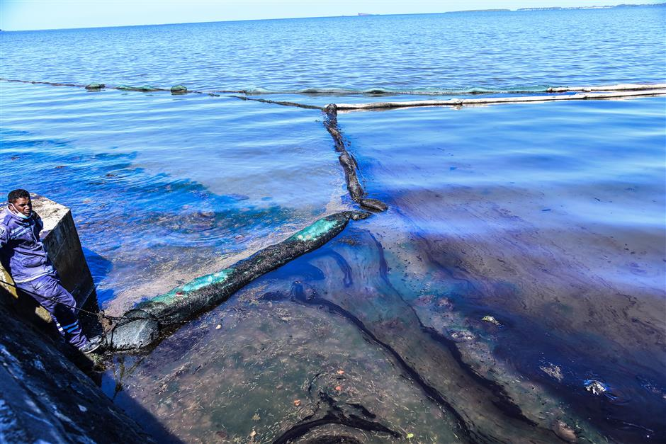Almost all oil cleaned up in Mauritius spill