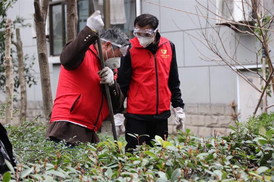 Retired plumber among Hangzhous top volunteers