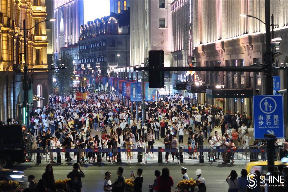 Pedestrian malls extension officially opens