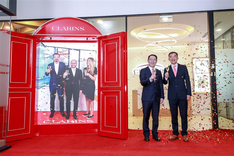 Clarins opens first overseas lab in Jingan