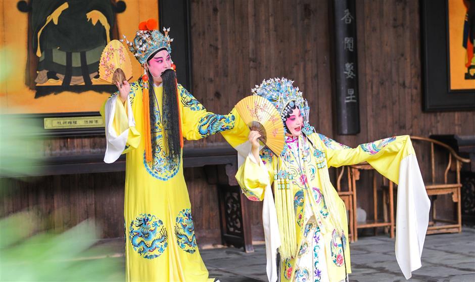 Persimmon festival brings glorious color