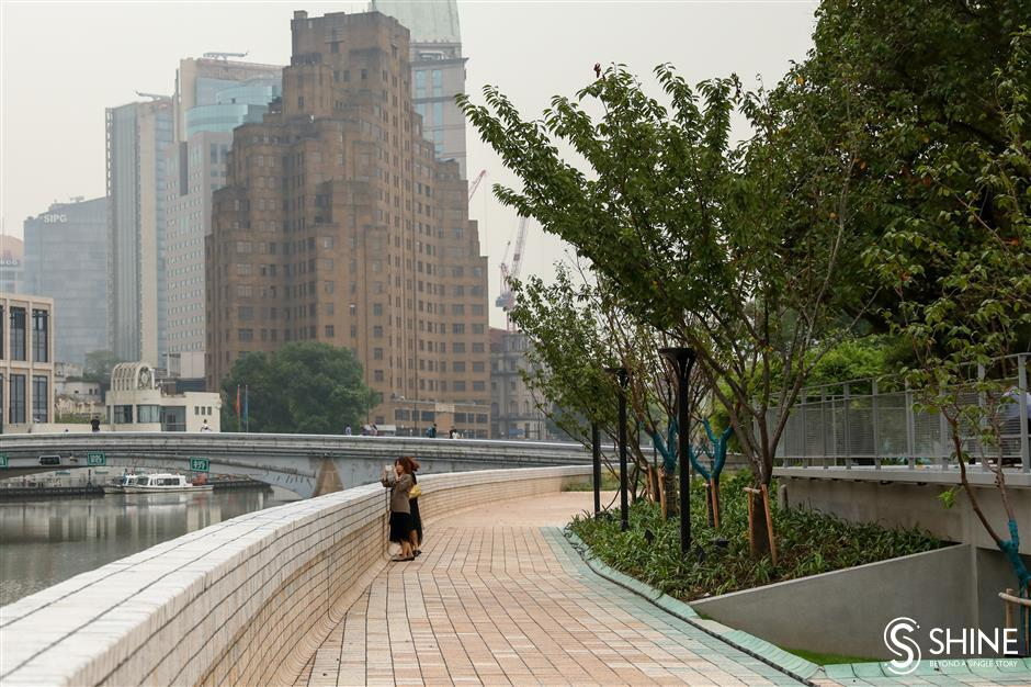 Shanghai rolls up sleeves for deep cleaning