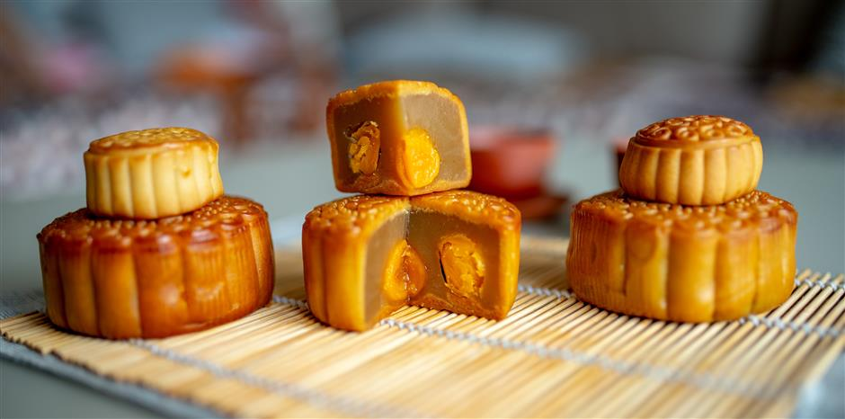 Whether you travel or chill, dont forget to eat a moon cake in Golden Week