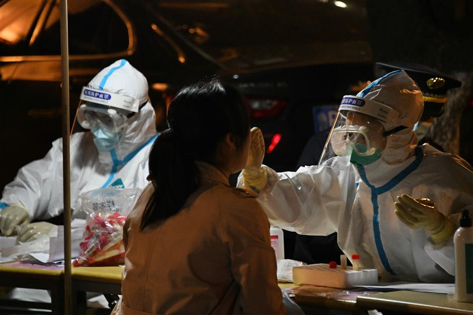 Chinese mainland reports 13 new confirmed COVID-19 cases