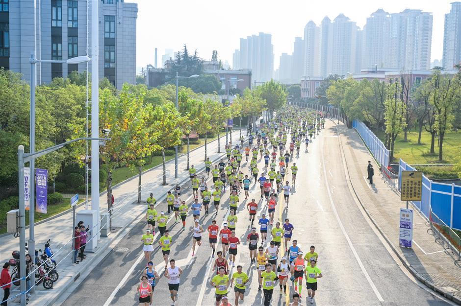 3,000 join Elite 10K race held in Putuo District