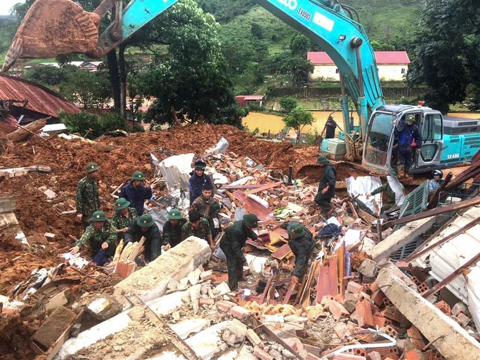 At least 14 soldiers die in landslide in Vietnam