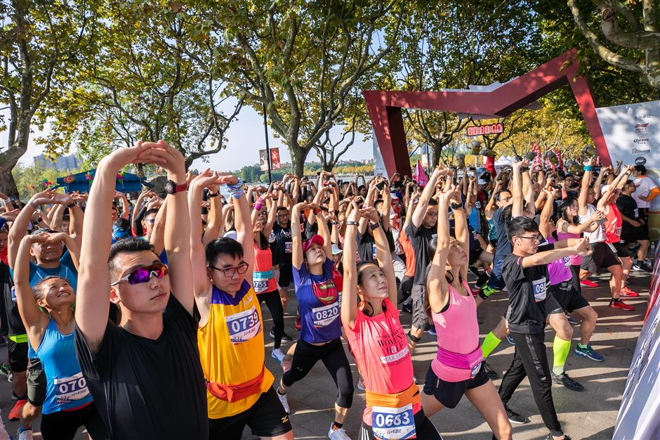 1,000 join charity run atCentury Parkin Pudong