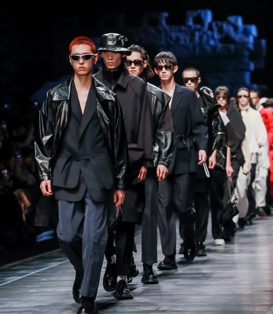 Cabbeen closes fashion week with military-inspired collection