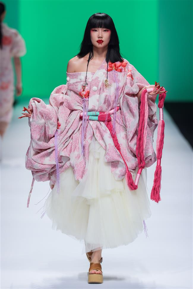 Shanghai Fashion Week returns to normality