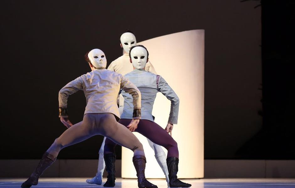 Star-crossed lovers perform classic ballet, with Chinese tinges