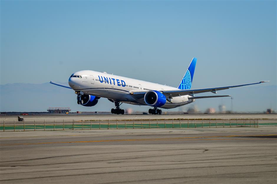United Airlines resumes flights to Shanghai