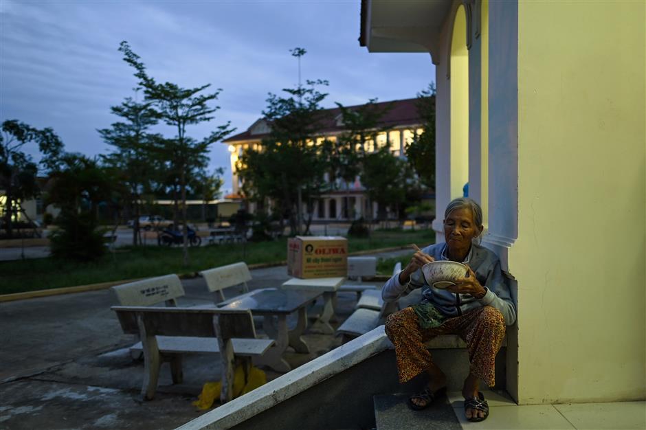 More than 1m Vietnamese flee ahead of typhoon