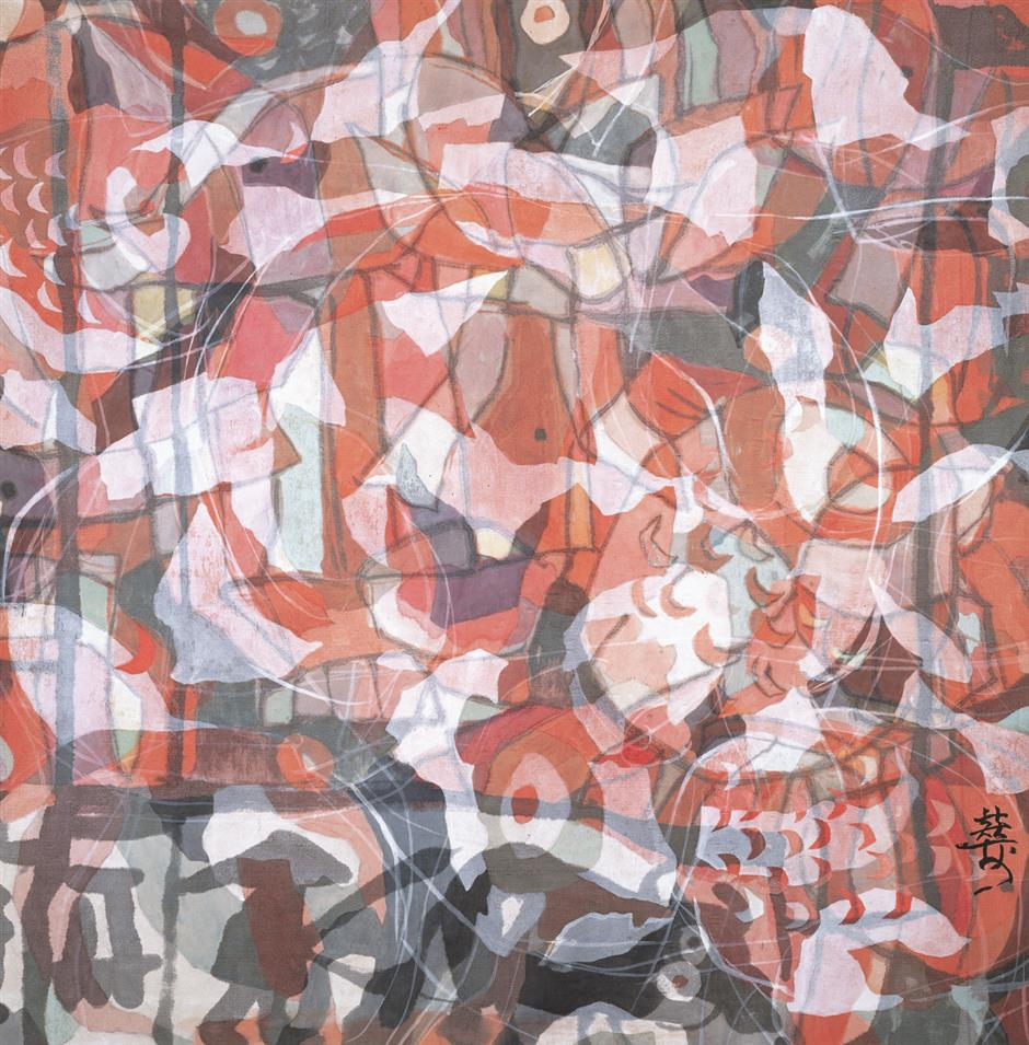 Artist who grew up amid mulberry preserves ancient silk painting style