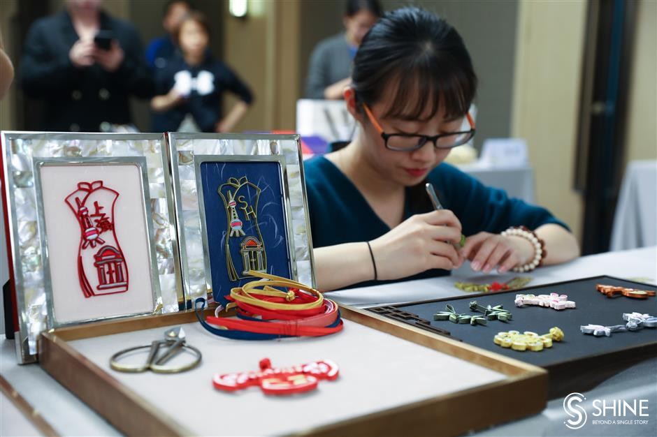 Shanghais chosen souvenirs go on display