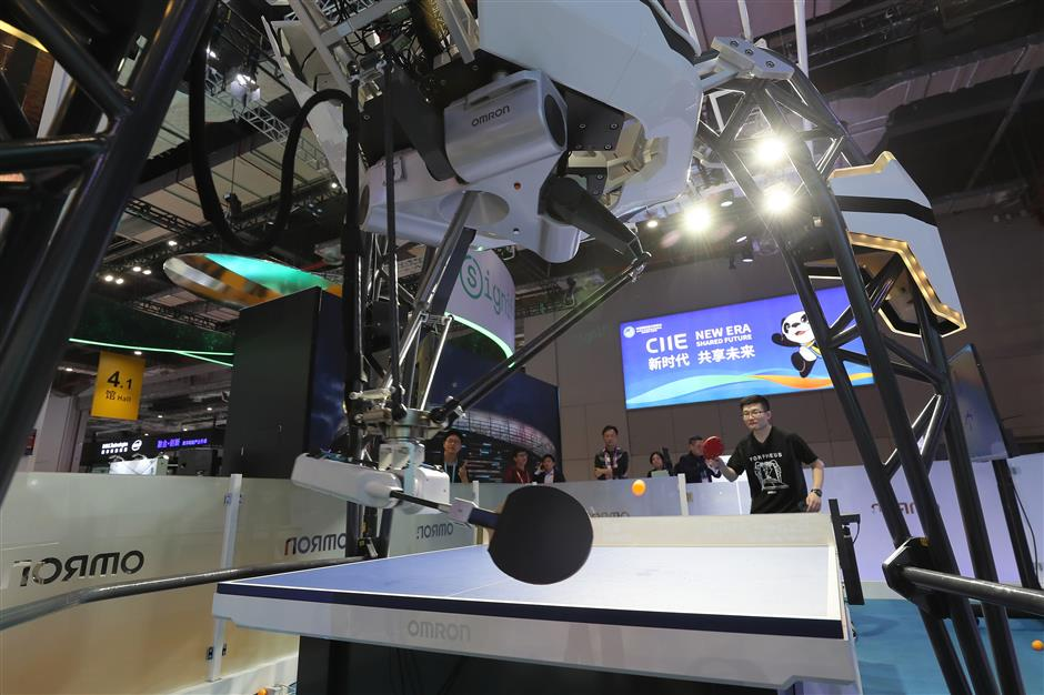 Omron launches upgraded ping pong robot during CIIE