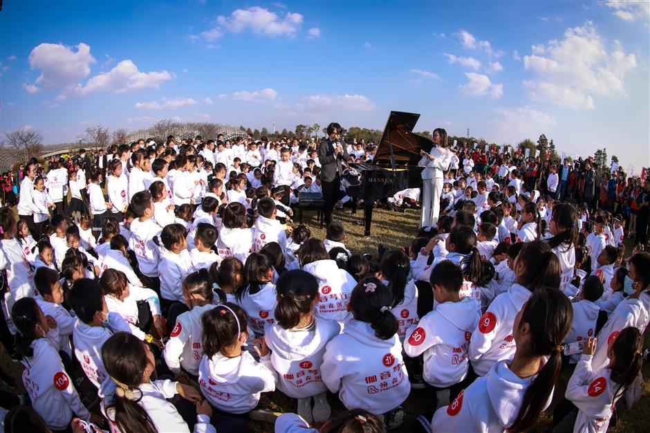 Over 400 children take part in piano performance